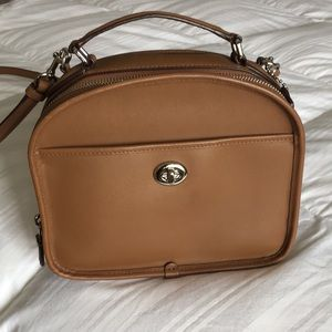 Coach beige shoulderbag